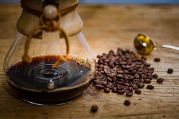 Kaffee mit Aspirin zur Gewichtsreduktion
